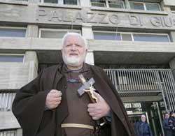 Padre Fedele: chiesta condanna ad 8 anni per violenza su suora