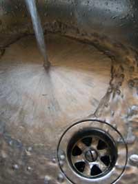 Catanzaro: inchiesta acqua sporca, Nesci e Parentela (M5S) incontrano il Prefetto