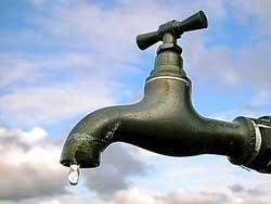 Catanzaro: acqua, improvvisa rottura sta causando interruzione fornitura nella zona Stadio San Leonardo