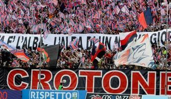La storica e incredibile stagione del Crotone in Serie A raccontata in un libro