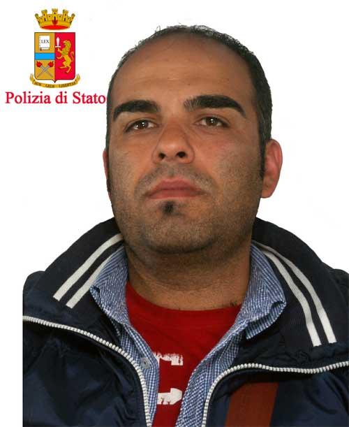 Reggio: sorpreso con gasolio rubato alla ditta dei pullman per cui lavora, arrestato