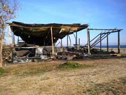 Catanzaro Lido: incendio distrugge stabilimento balneare