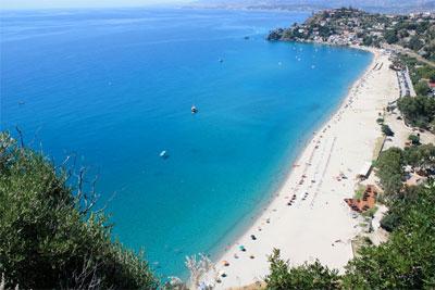 Crotone: domani la presentazione della campagna ''Il mare di Calabria non va in vacanza''