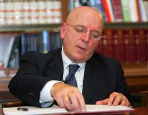 Primarie centro-sinistra: oggi l'ufficializzazione della candidatura di Mario Oliverio