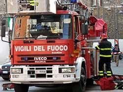 Pizzoni: Incendia garage abitazione e resta ustionato