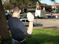 Statale 106: sassi contro automobili