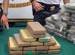 Maxi sequestro a Gioia Tauro, intercettati 230 chili di cocaina