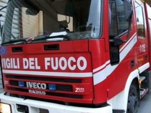 Briatico: nuova intimidazione ad azienda edile, incendiati un'auto e un camion